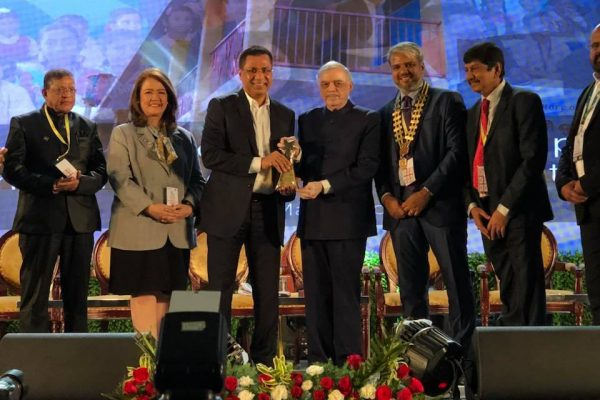 FAIZAL KOTTIKOLLON, OUTSTANDING BUSINESS AND SOCIAL EXCELLENCE AWARD 2018, ROTARY CLUB